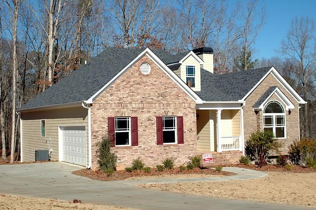 Porqué los inquilinos y propietarios de casa piensan que alquilar es mas accesible que comprar?