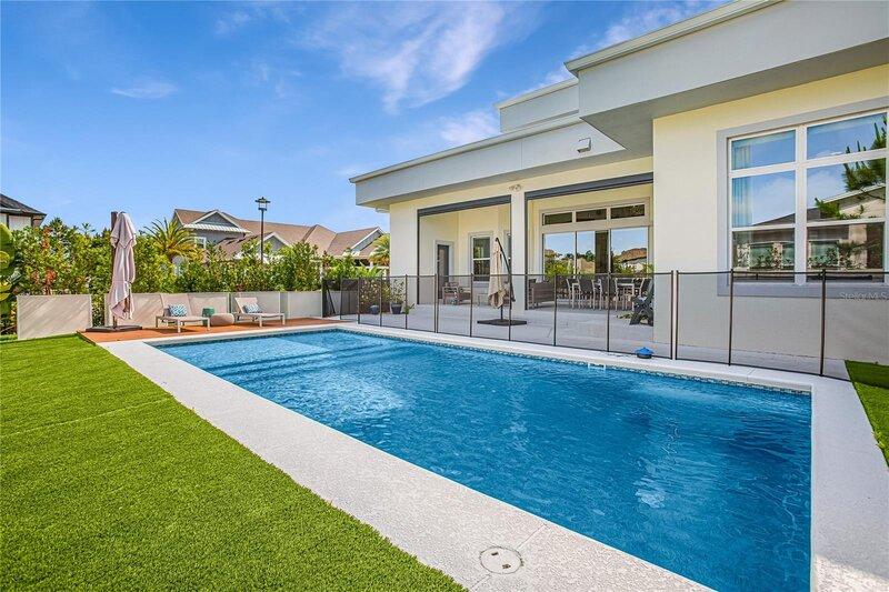 Cuidados y mantenimiento de las casas con piscina